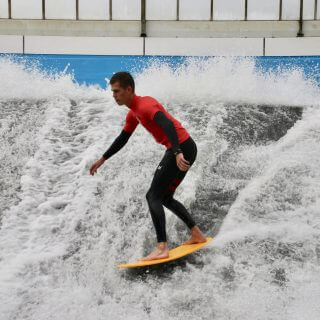Coming soon: Los gaan op onze indoor wavesurfer
